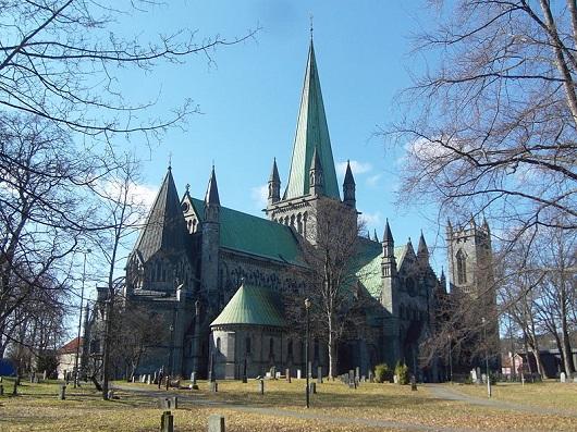 catedral%20de%20nidaros.JPG